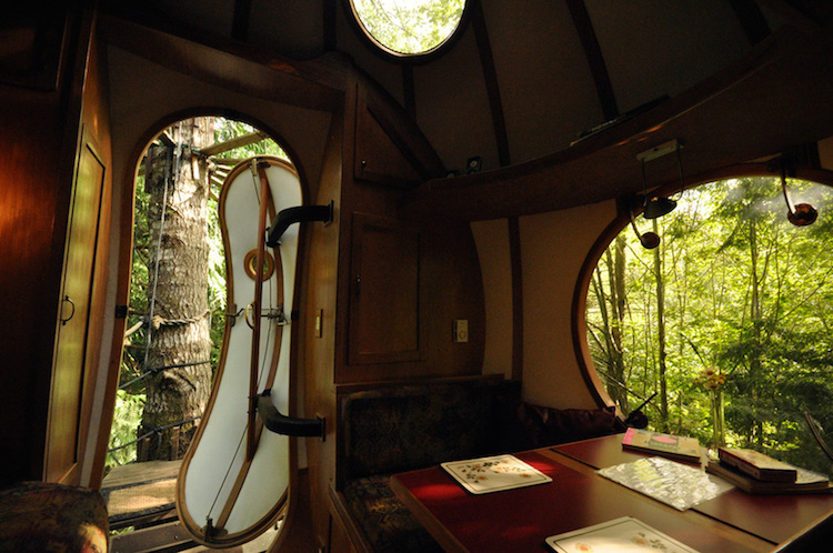 20-round-tree-house-cabin-2